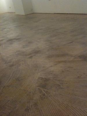 photo:なるのウラの床