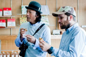 photo:PAPERSKY編集長ルーカスB.Bさんと若木信吾さんによるトークショー